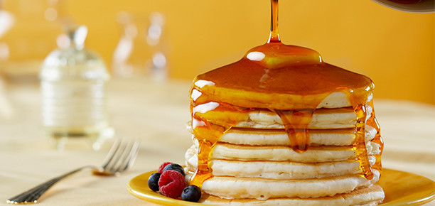 maple-syrup-on-pancakes