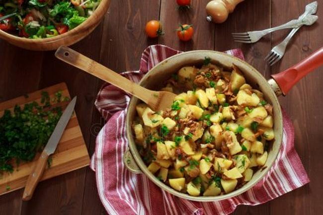 potato-chanterelle-mushrooms